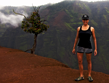 Lita at the Waimea-Canyon-Trail